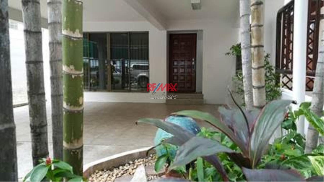 RE/MAX Exclusive Agency's Single House 4 bedrooms, 5 bathrooms, Only For Rent 60,000 THB 1