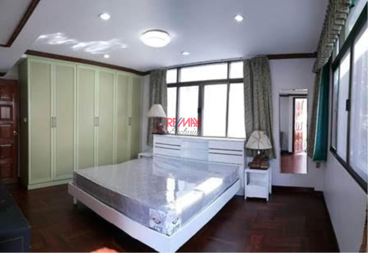RE/MAX Exclusive Agency's Single House 4 bedrooms, 5 bathrooms, Only For Rent 60,000 THB 10