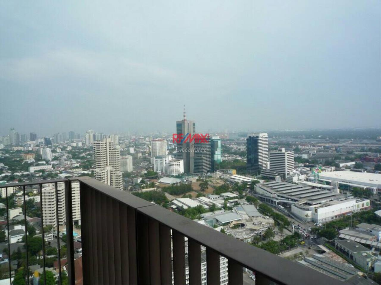 RE/MAX Exclusive Agency's Emporio Place Duplex 1 Bedroom 83 Sqm., For Rent 60,000 THB 17