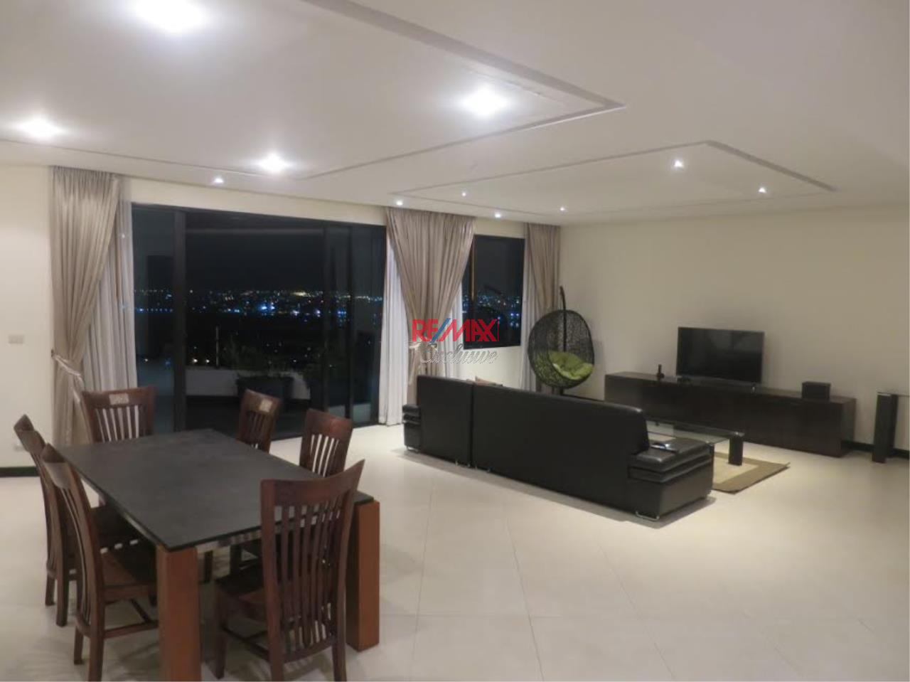 RE/MAX Exclusive Agency's Royal River Place Condo, 3 Bedrooms, 3 Bathrooms, Only For Sale 20,000,000 THB 3