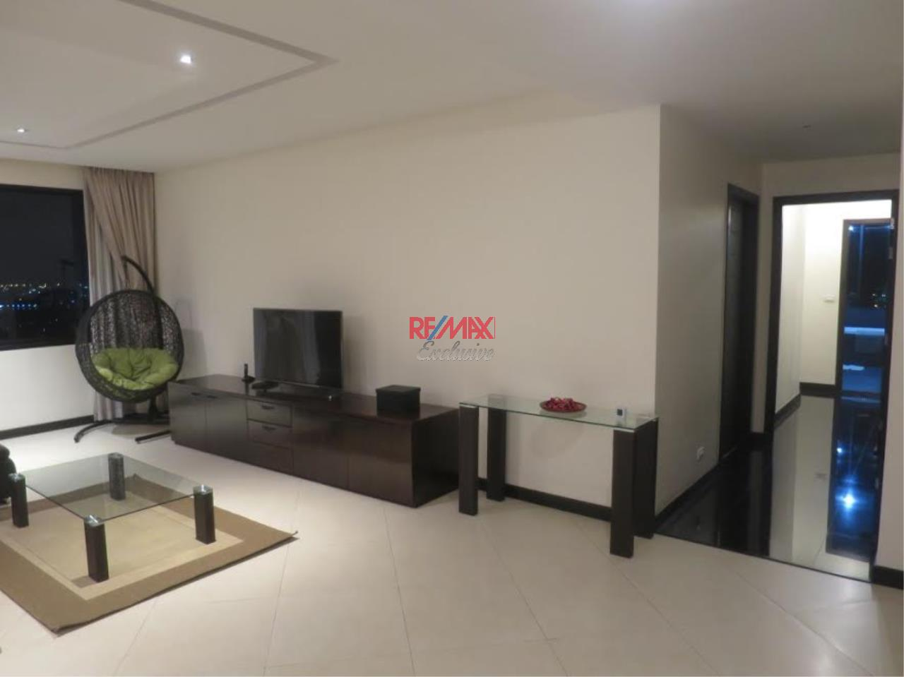 RE/MAX Exclusive Agency's Royal River Place Condo, 3 Bedrooms, 3 Bathrooms, Only For Sale 20,000,000 THB 1