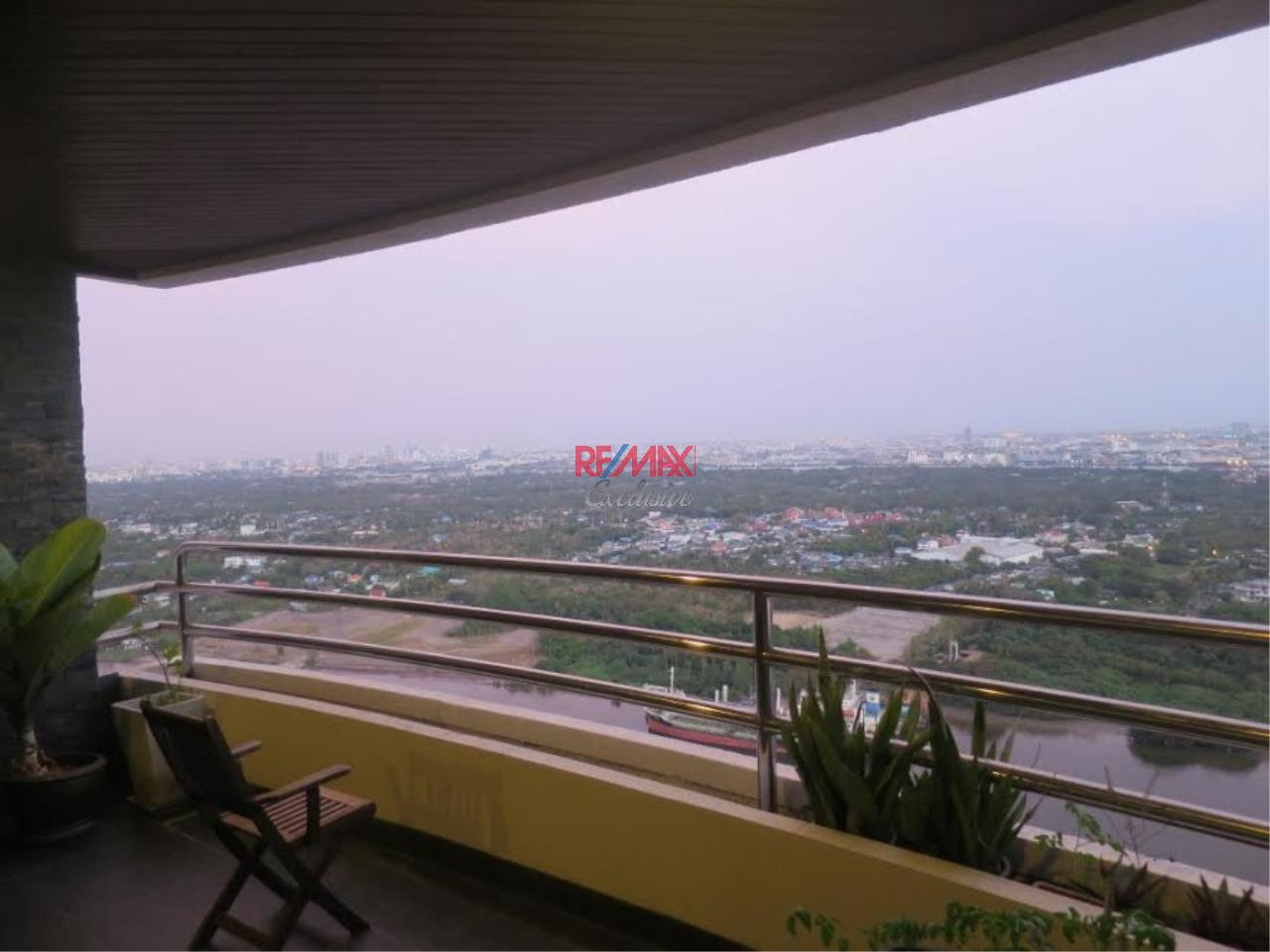 RE/MAX Exclusive Agency's Royal River Place Condo, 3 Bedrooms, 3 Bathrooms, Only For Sale 20,000,000 THB 15