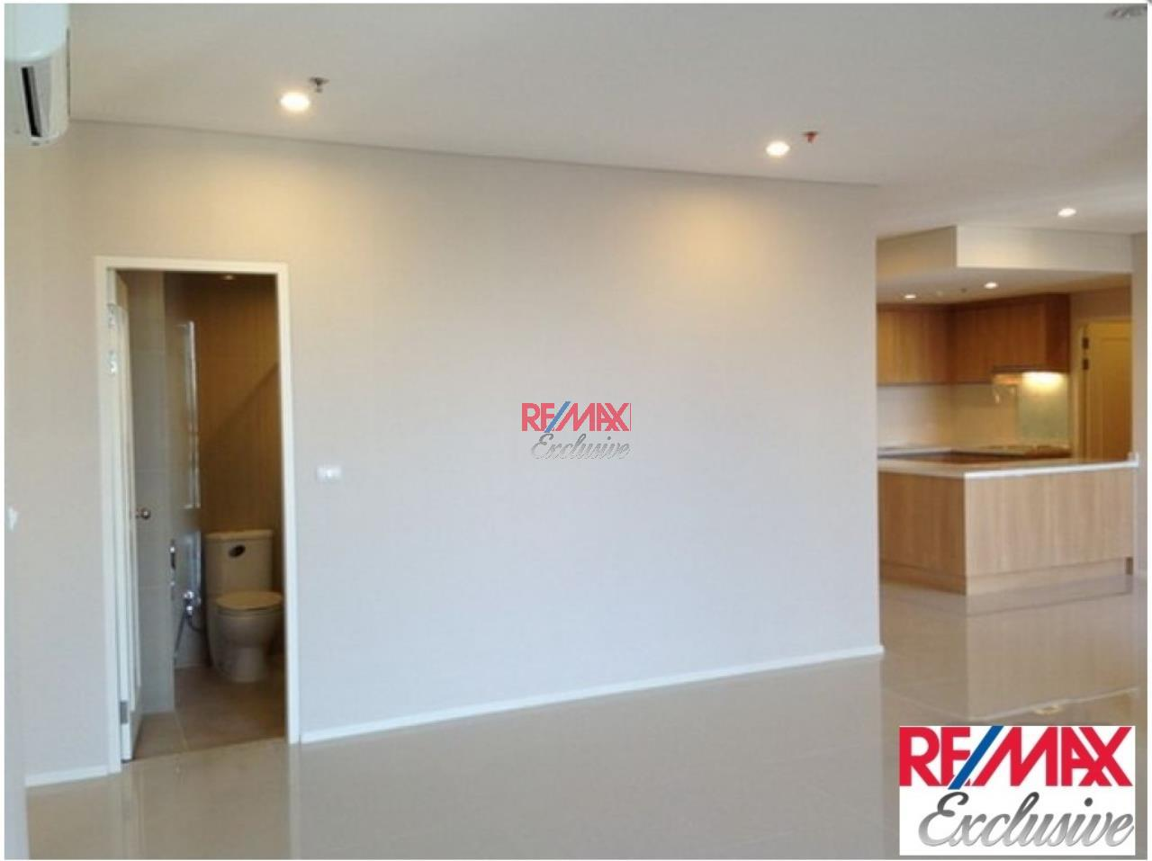 RE/MAX Exclusive Agency's Villa Asoke Penthouse With Scenic View, 5 Bedrooms, 200 Sqm, For Sale 31,300,000 THB 3