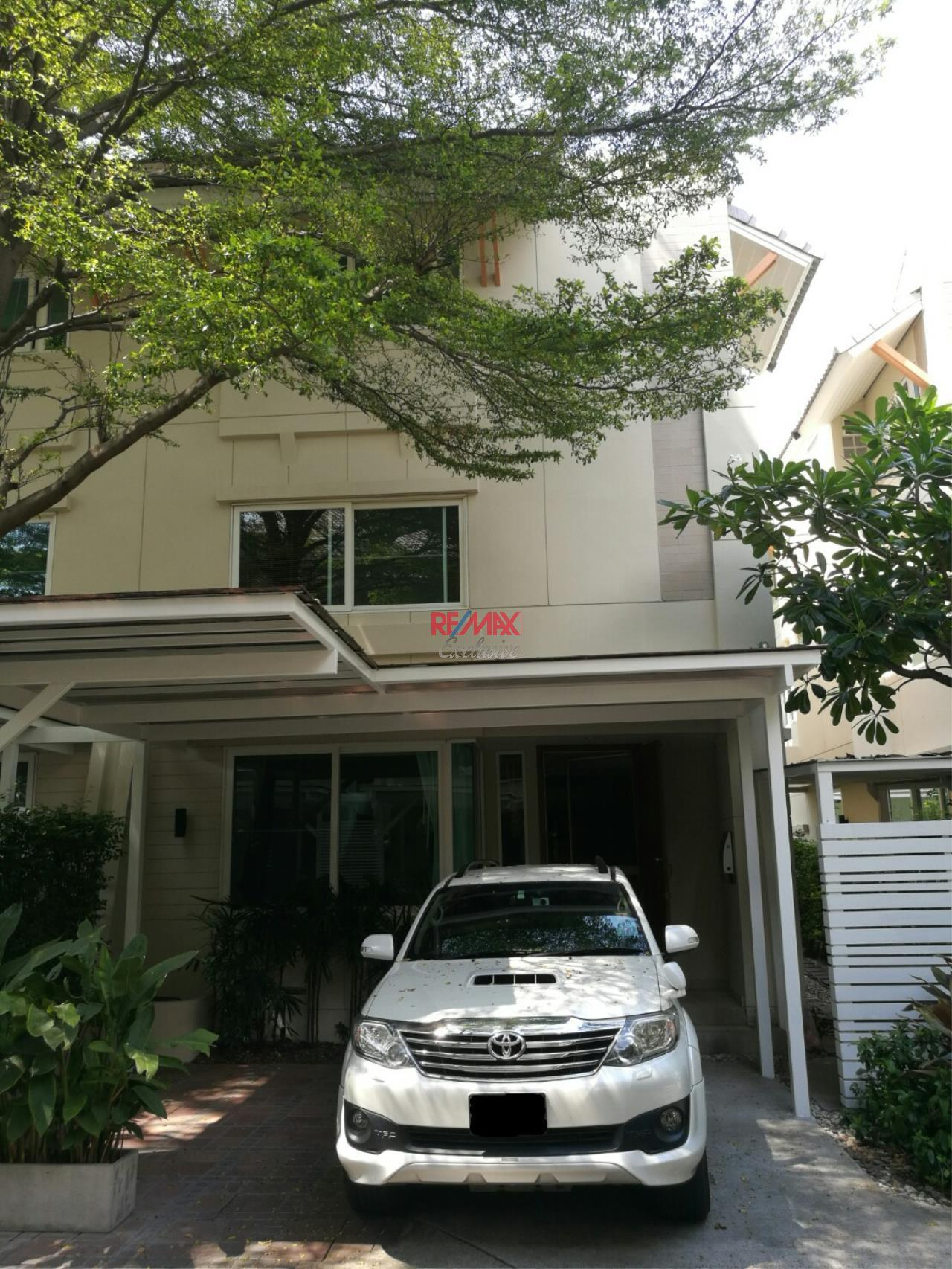 RE/MAX Exclusive Agency's Compound house, 300 sqm, 4 +1 bedrooms for rent in Ekkamai 22 2