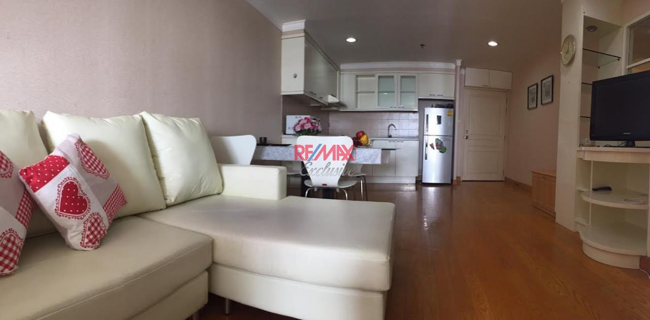 RE/MAX Exclusive Agency's Waterford Diamond, 2 Bedrooms, 1 Bathroom, For Rent 30,000 THB, For Sale 6,500,000 THB 1