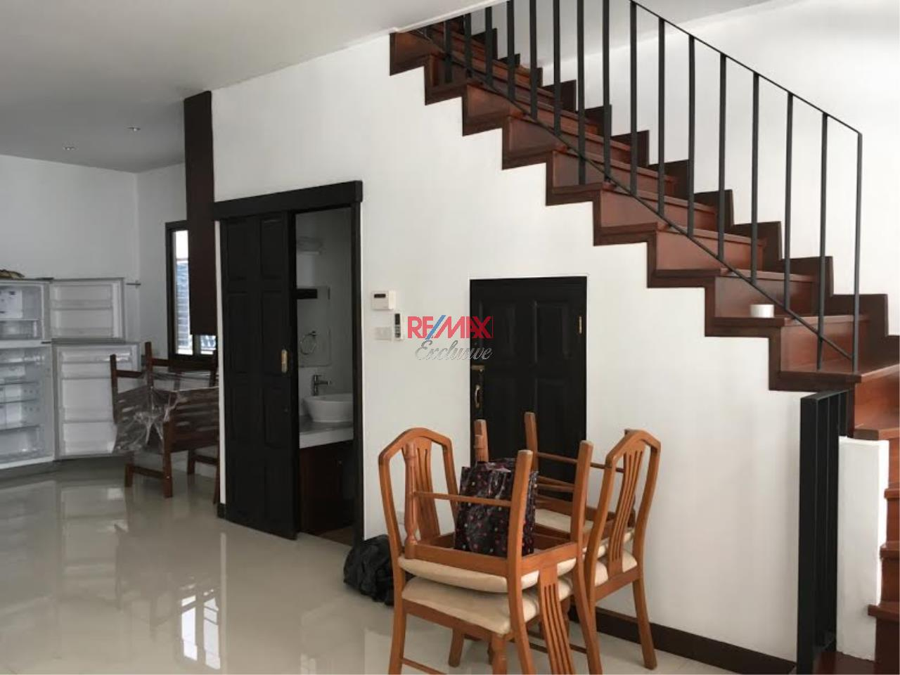 RE/MAX Exclusive Agency's  Townhouse in Sukhumvit 71, 3 Bedrooms, 5 Bathrooms, For Rent Only 70,000 THB 3