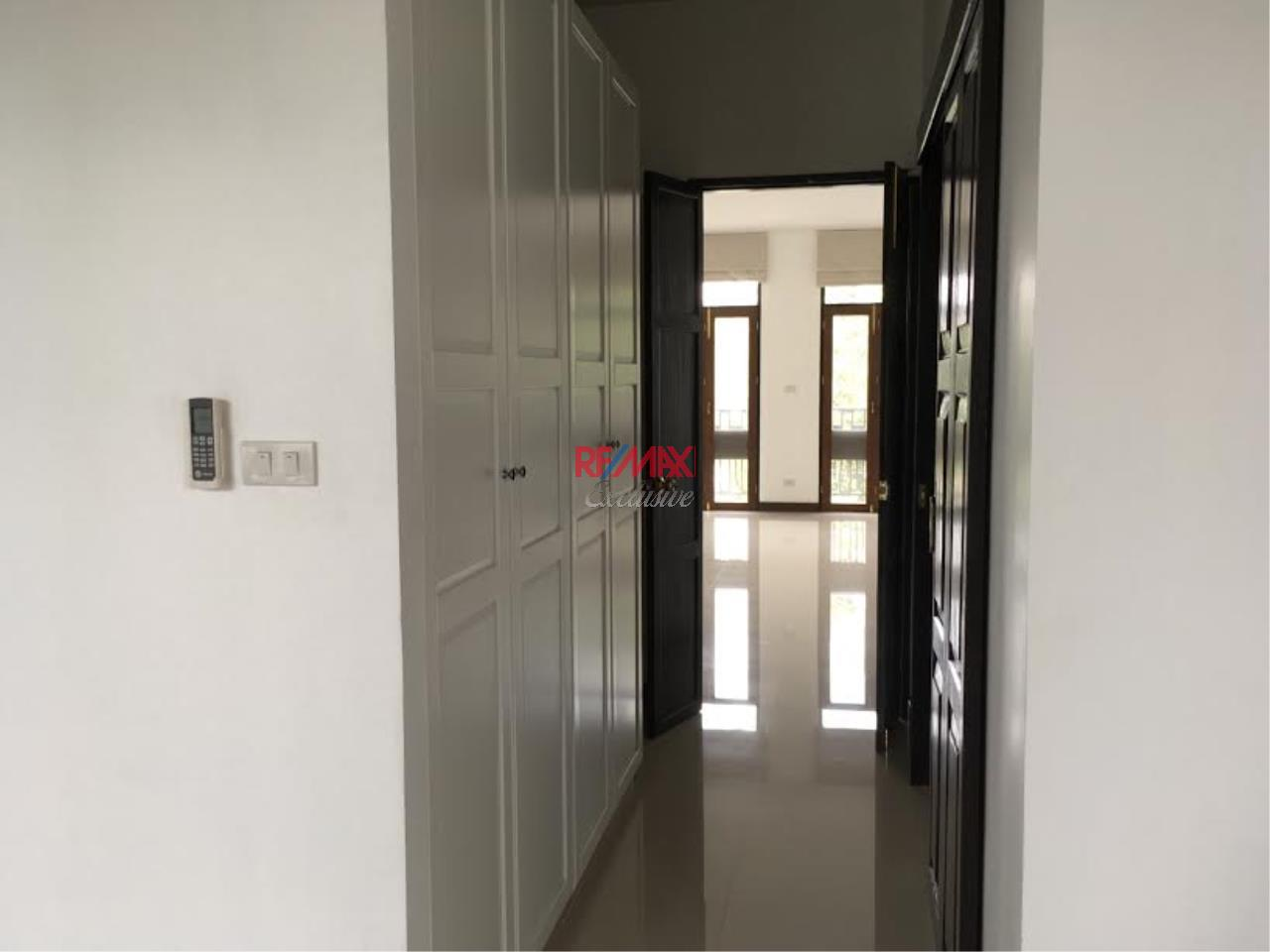 RE/MAX Exclusive Agency's  Townhouse in Sukhumvit 71, 3 Bedrooms, 5 Bathrooms, For Rent Only 70,000 THB 6