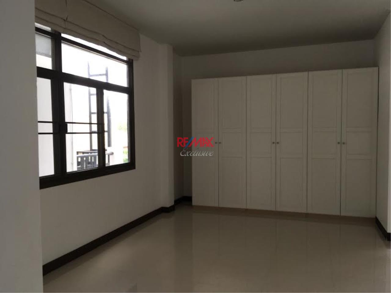RE/MAX Exclusive Agency's  Townhouse in Sukhumvit 71, 3 Bedrooms, 5 Bathrooms, For Rent Only 70,000 THB 7