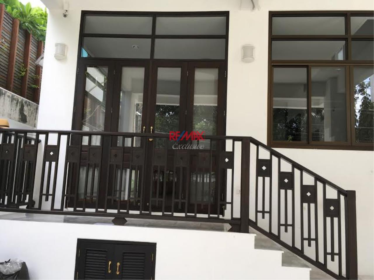 RE/MAX Exclusive Agency's  Townhouse in Sukhumvit 71, 3 Bedrooms, 5 Bathrooms, For Rent Only 70,000 THB 2