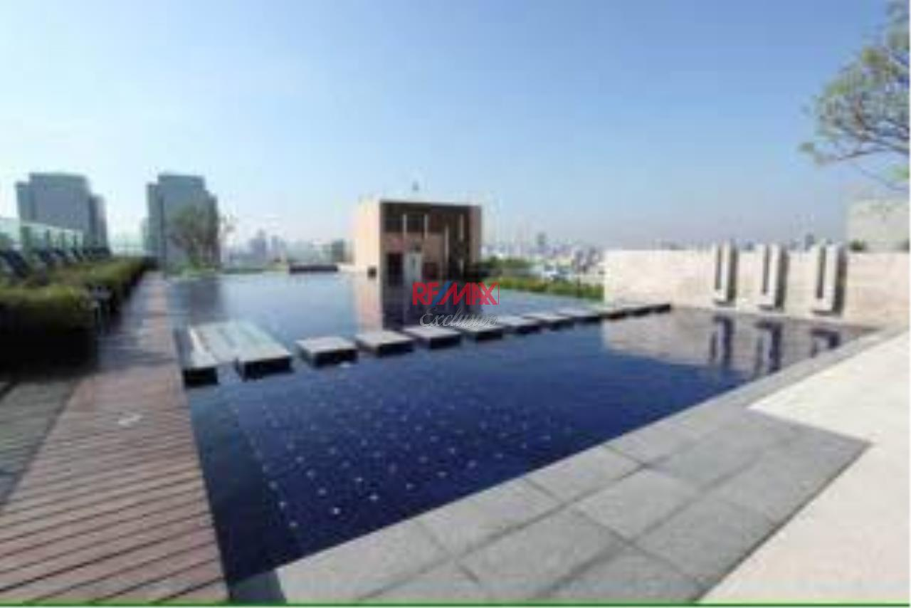 RE/MAX Exclusive Agency's Trendy 1 bedroom for sale @Life Ratchada - Huay Kwang 10
