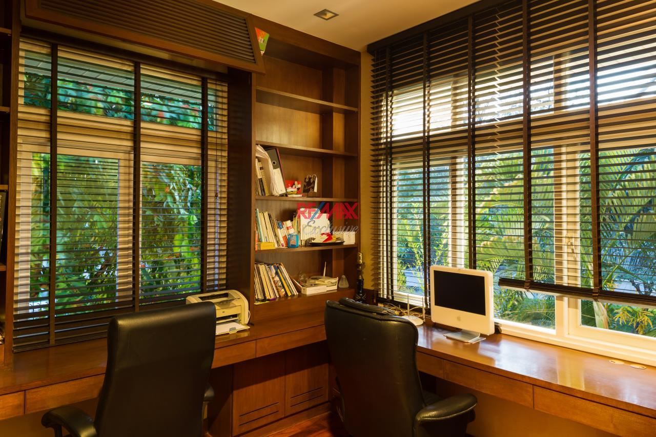 RE/MAX Exclusive Agency's Reduced Price 33,000,000 THB Ekamai-Ramintra House 11