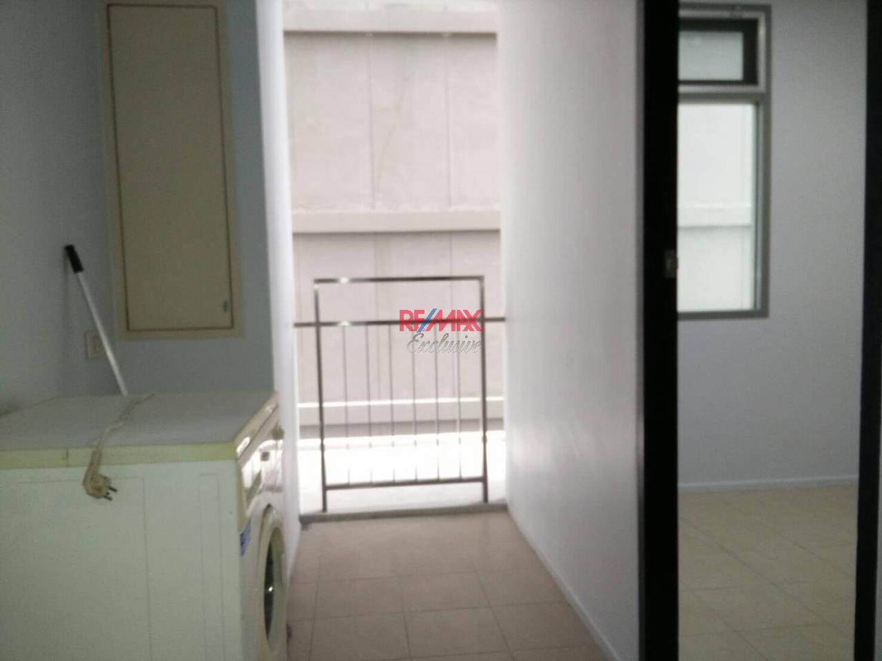 RE/MAX Exclusive Agency's The Madison Condo 2 Bedrooms 139 Sqm., For Sale With Tenant 24,000 000 THB!!  17