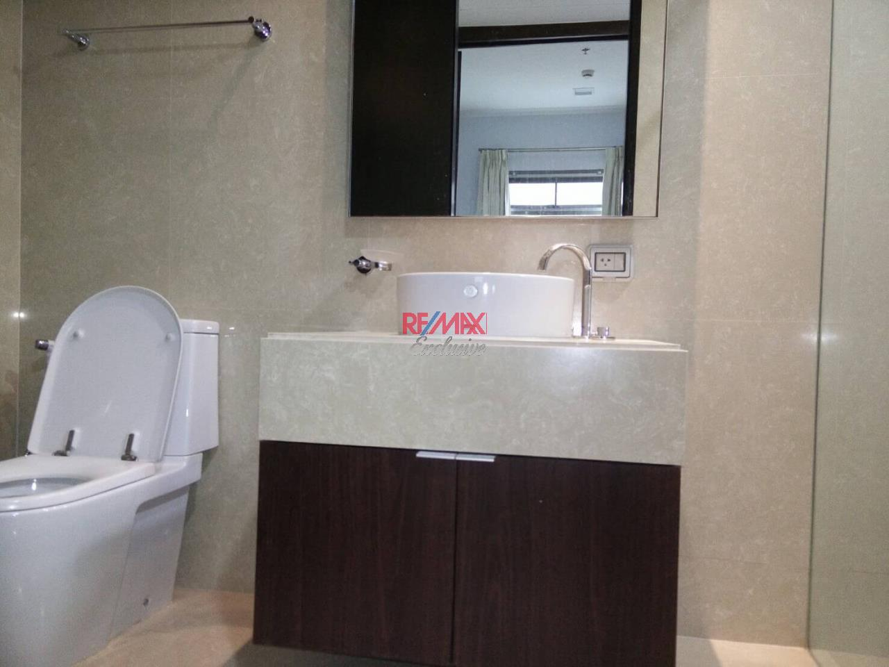 RE/MAX Exclusive Agency's The Madison Condo 2 Bedrooms 139 Sqm., For Sale With Tenant 24,000 000 THB!!  16