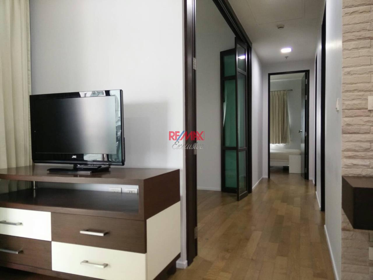 RE/MAX Exclusive Agency's The Madison Condo 2 Bedrooms 139 Sqm., For Sale With Tenant 24,000 000 THB!!  5