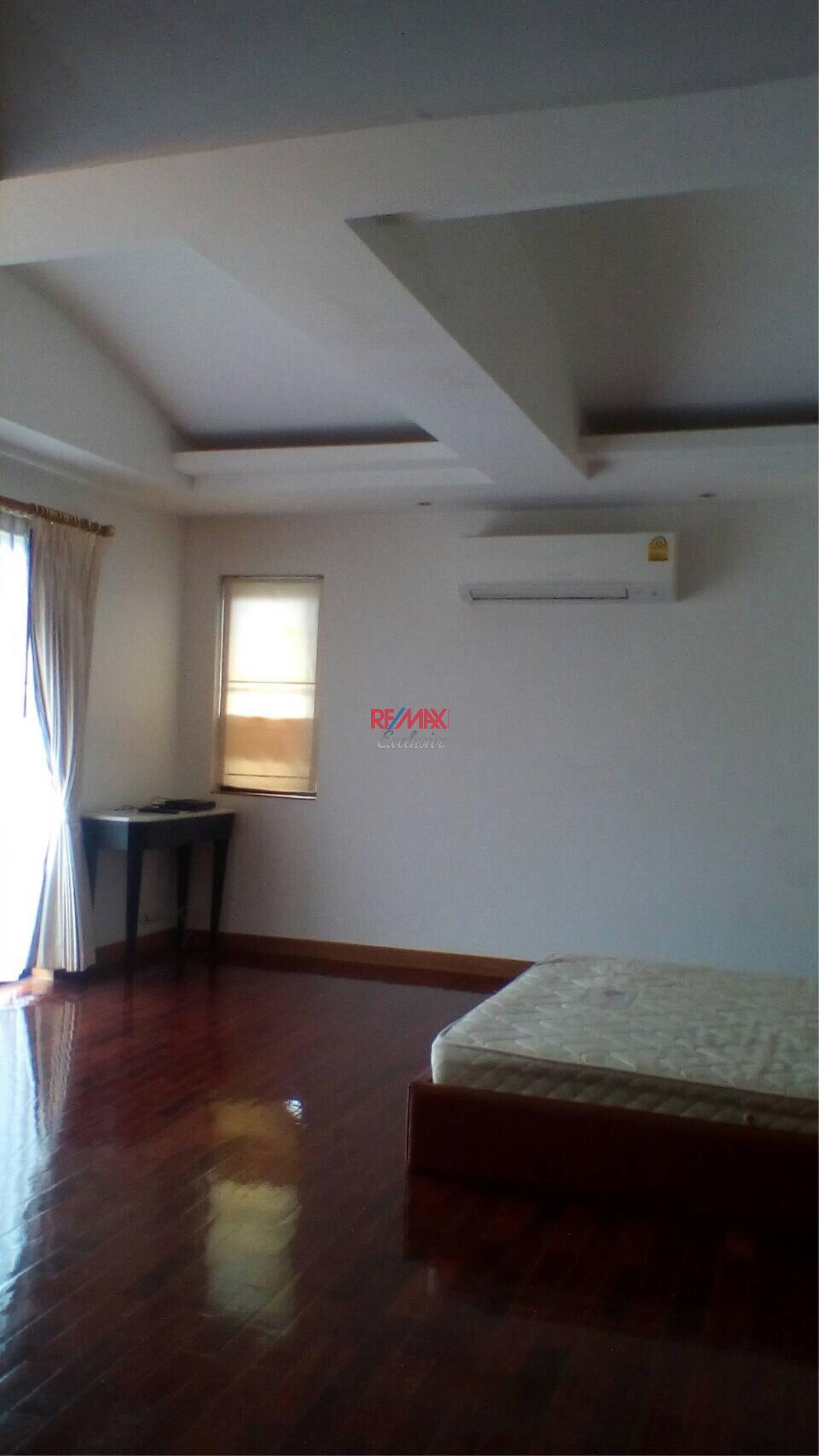 RE/MAX Exclusive Agency's Detached House 4 Bedrooms 200 Sq wah with Private Pool, For Rent 150,000 THB!! 11