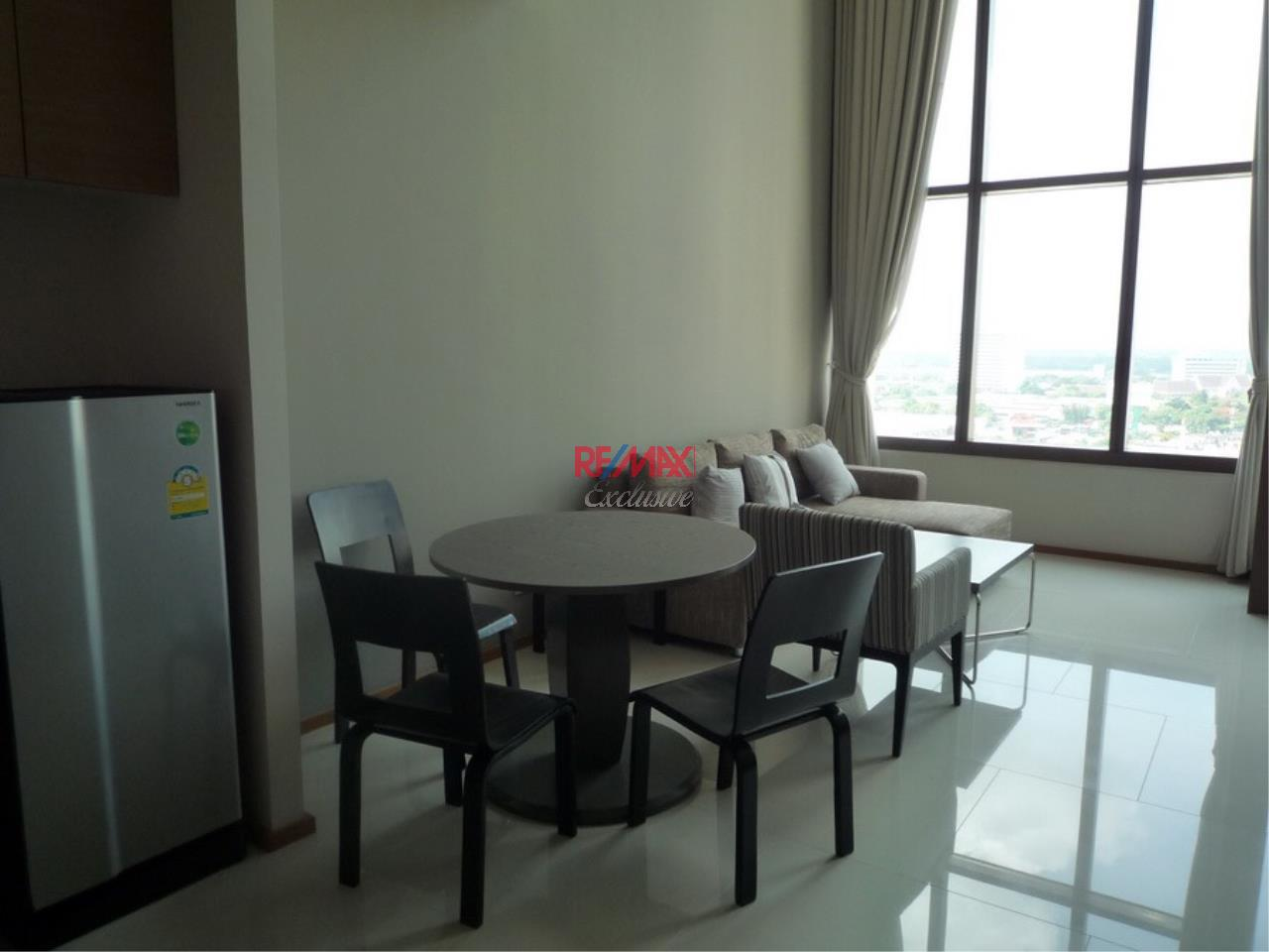 RE/MAX Exclusive Agency's Emporio Place 1 Bed Duplex 73 Sqm., For Rent 55,000 THB!!! 4
