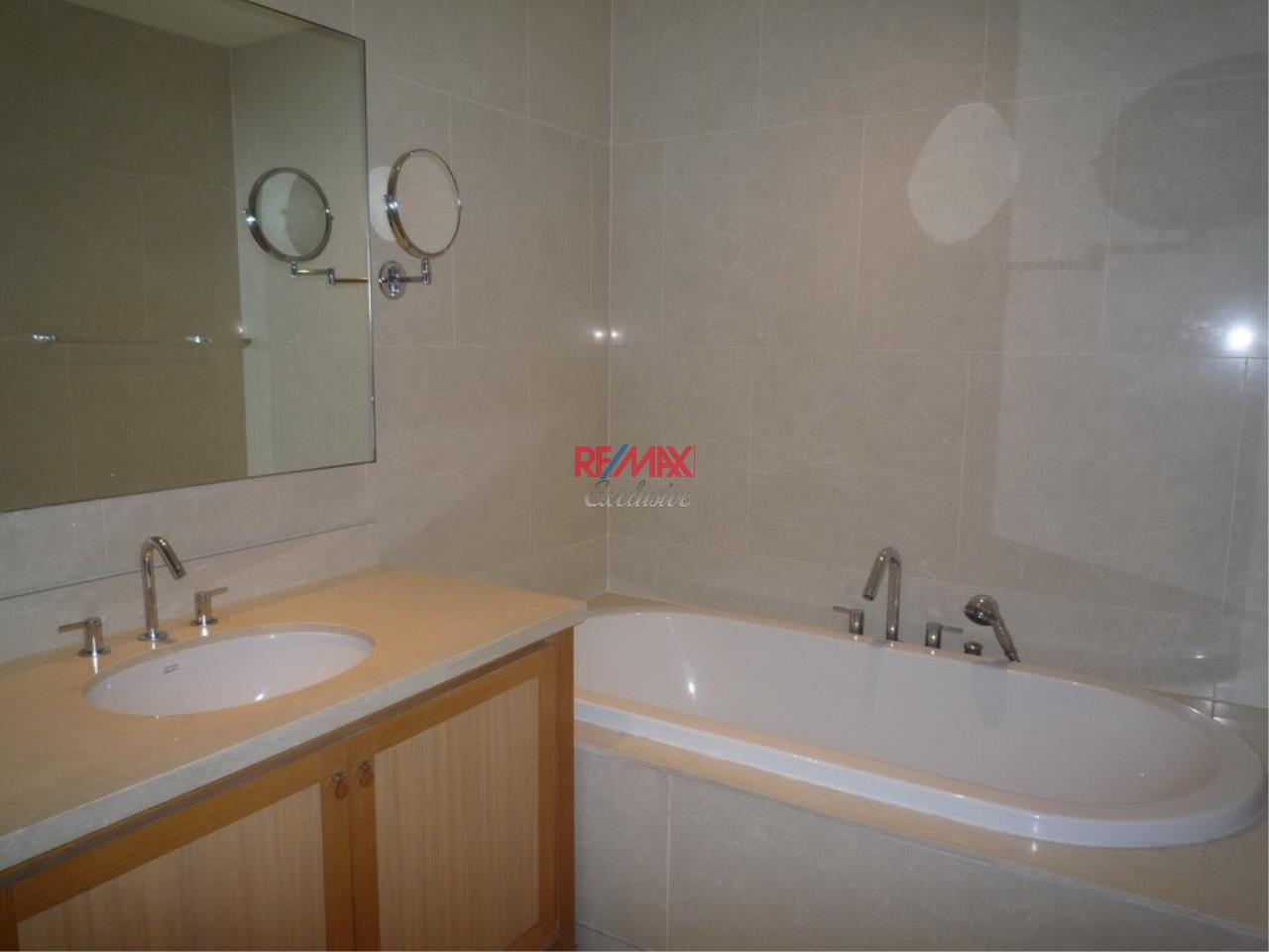 RE/MAX Exclusive Agency's Emporio Place 1 Bed Duplex 73 Sqm., For Rent 55,000 THB!!! 10