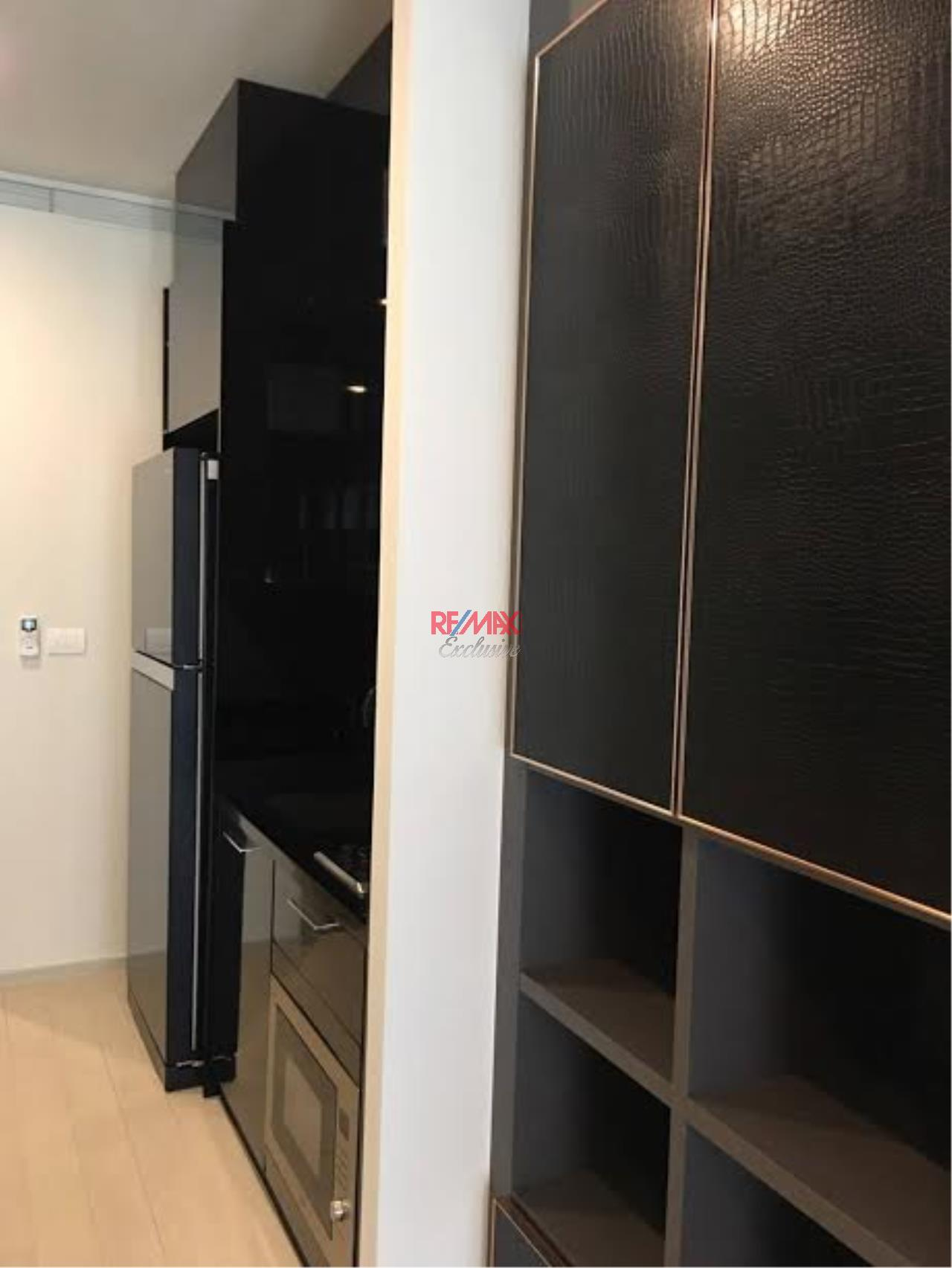 RE/MAX Exclusive Agency's Amazing condo with 1 Bedroom and 1 Bathroom For Rent 48,000 THB 2
