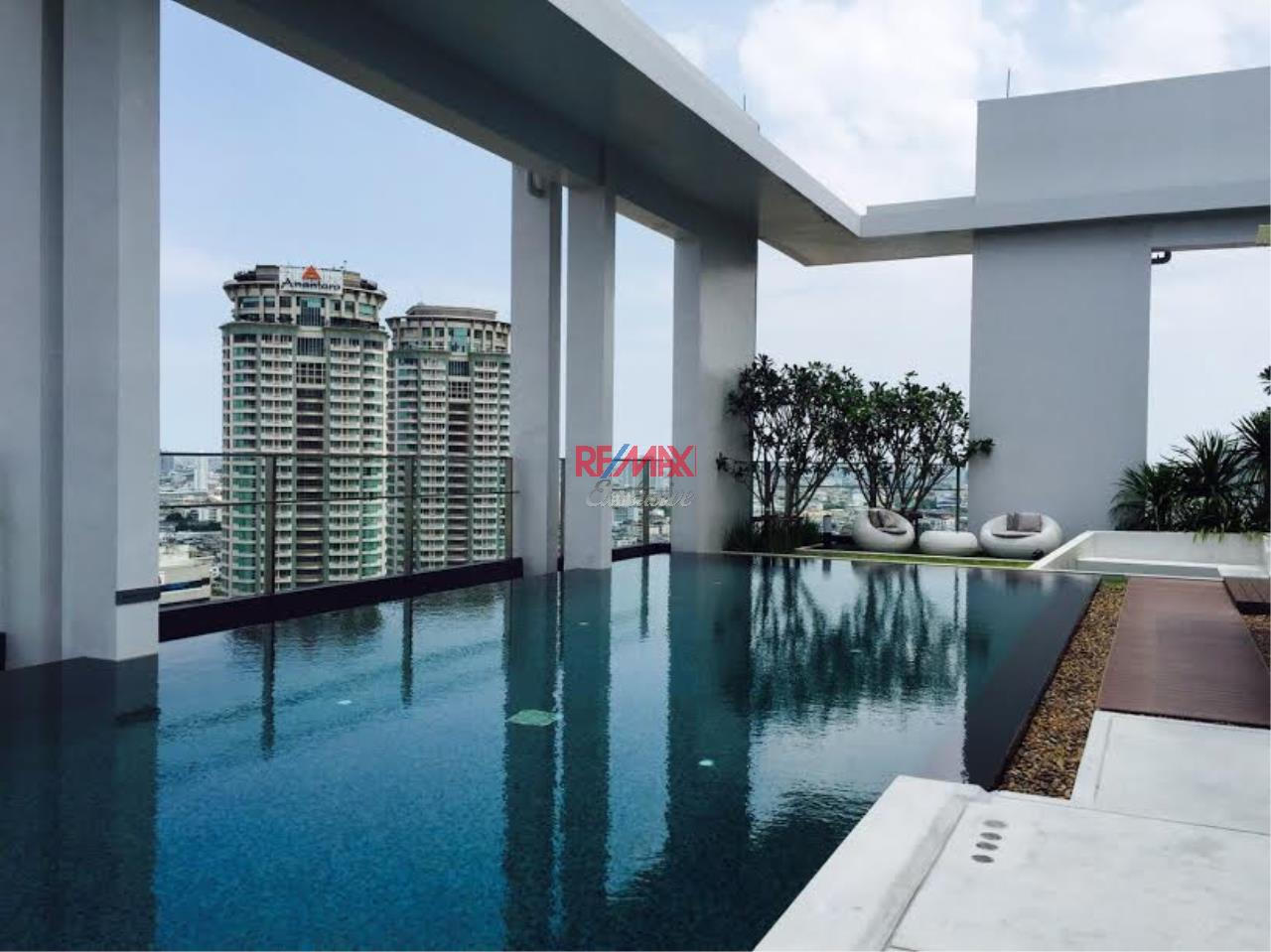 RE/MAX Exclusive Agency's 2 Bedrooms available For Rent 40,000 THB 10