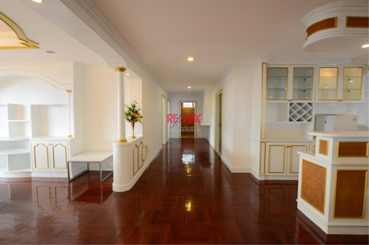 RE/MAX Exclusive Agency's Luxury 3 Bedrooms, 3 bathrooms For Rent 80,000 THB, For Sale 36,000,000 THB  7