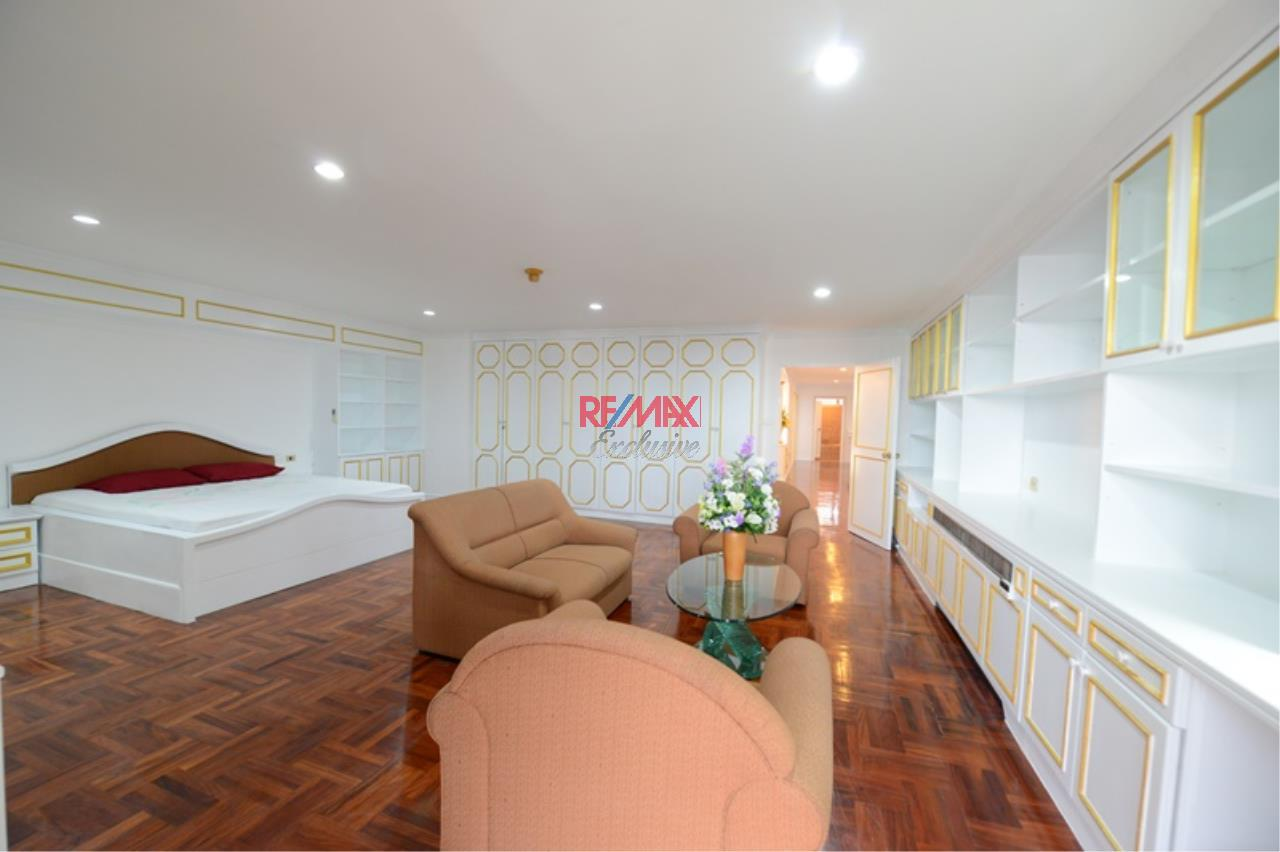 RE/MAX Exclusive Agency's Luxury 3 Bedrooms, 3 bathrooms For Rent 80,000 THB, For Sale 36,000,000 THB  10