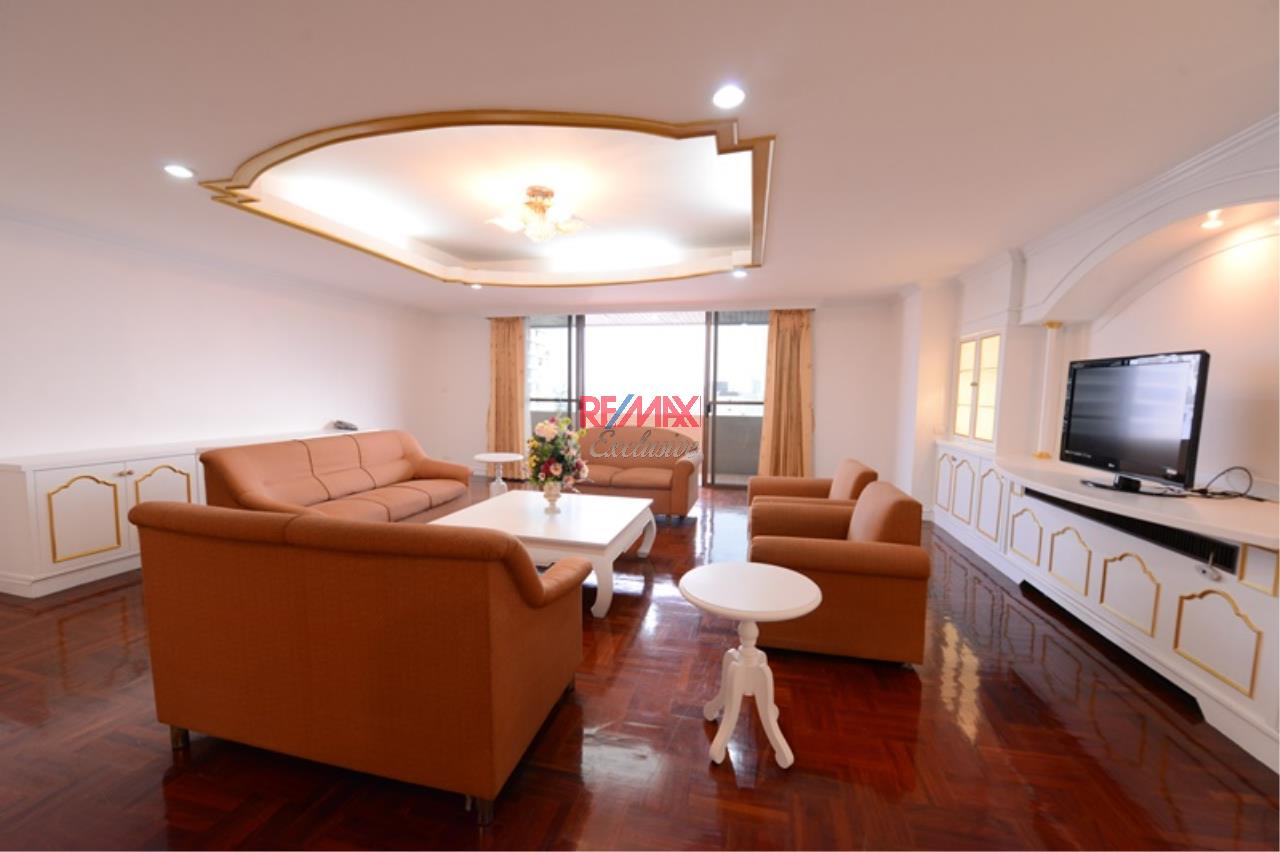 RE/MAX Exclusive Agency's Luxury 3 Bedrooms, 3 bathrooms For Rent 80,000 THB, For Sale 36,000,000 THB  1