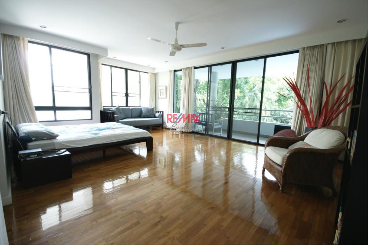 RE/MAX Exclusive Agency's Detached House 4 Bedrooms 400 Sqm., With Private Pool For Rent 200,000 THB!! 13