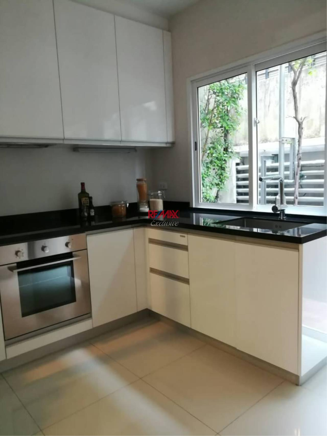 RE/MAX Exclusive Agency's Brand new Townhouse 3 Bedrooms 3 Bathrooms for rent in Asoke 5