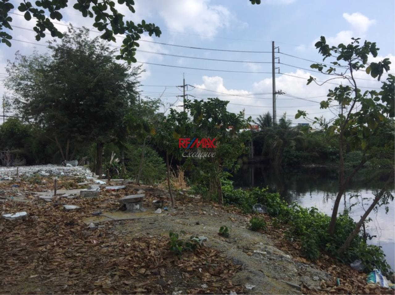 RE/MAX Exclusive Agency's Commercial Land for industry: Puchao SamingPrai: 2-2-30 Rais 5