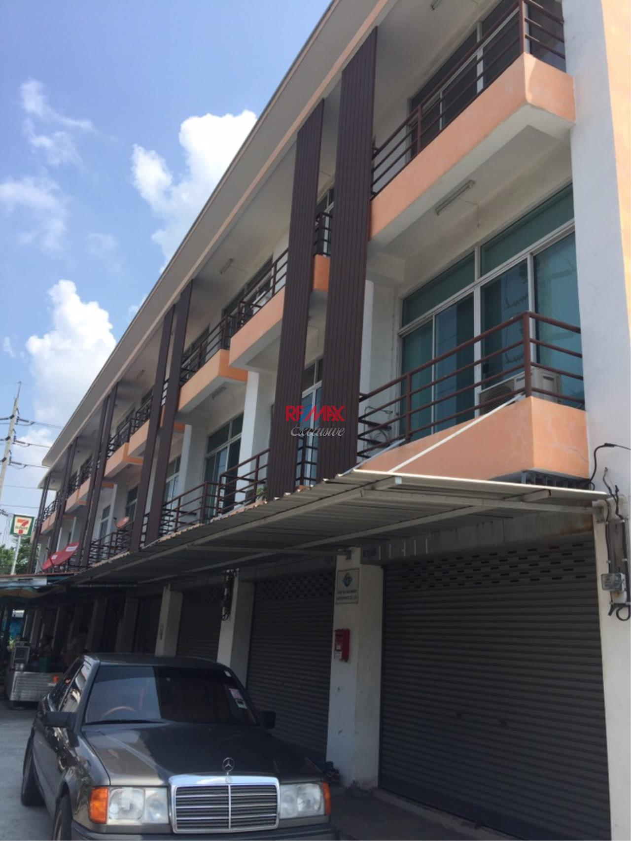 RE/MAX Exclusive Agency's Commercial Land for industry: Puchao SamingPrai: 2-2-30 Rais 8