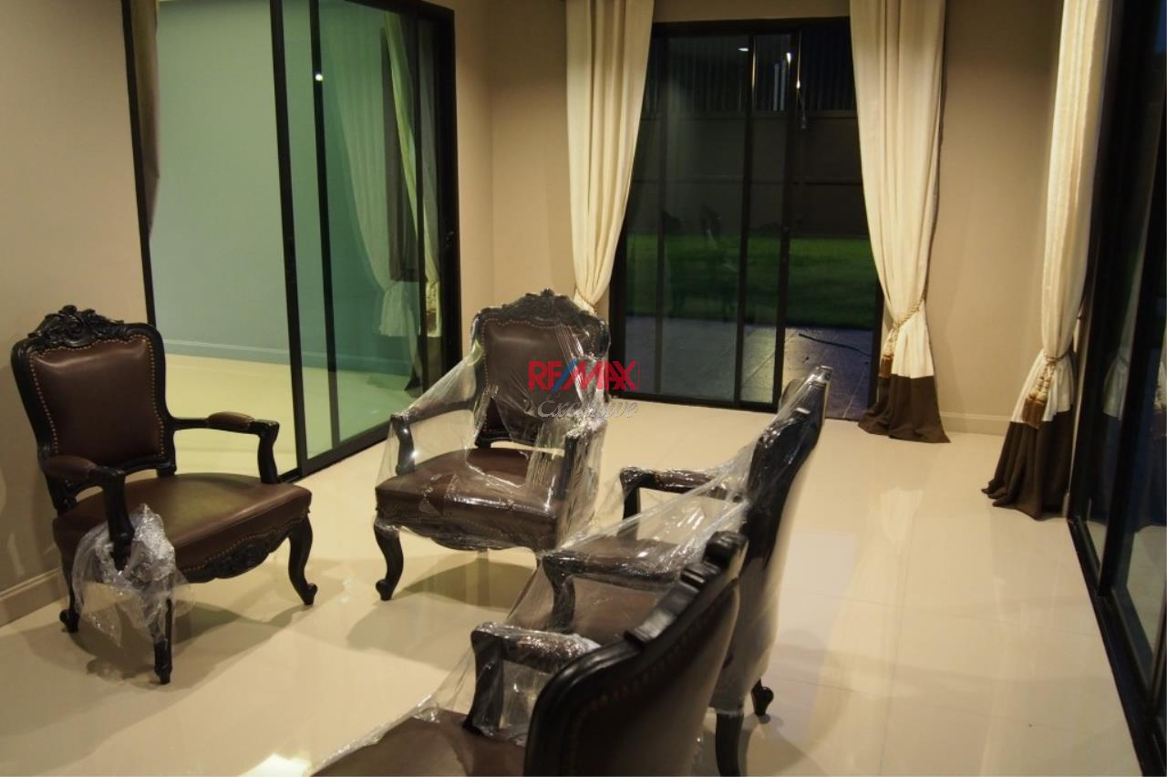 RE/MAX Exclusive Agency's Home Offce for Sale : Suan Siam  13
