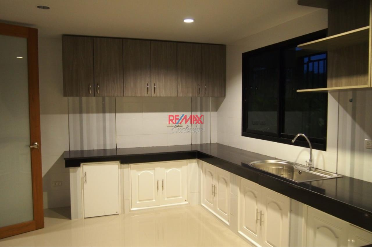 RE/MAX Exclusive Agency's Home Offce for Sale : Suan Siam  16