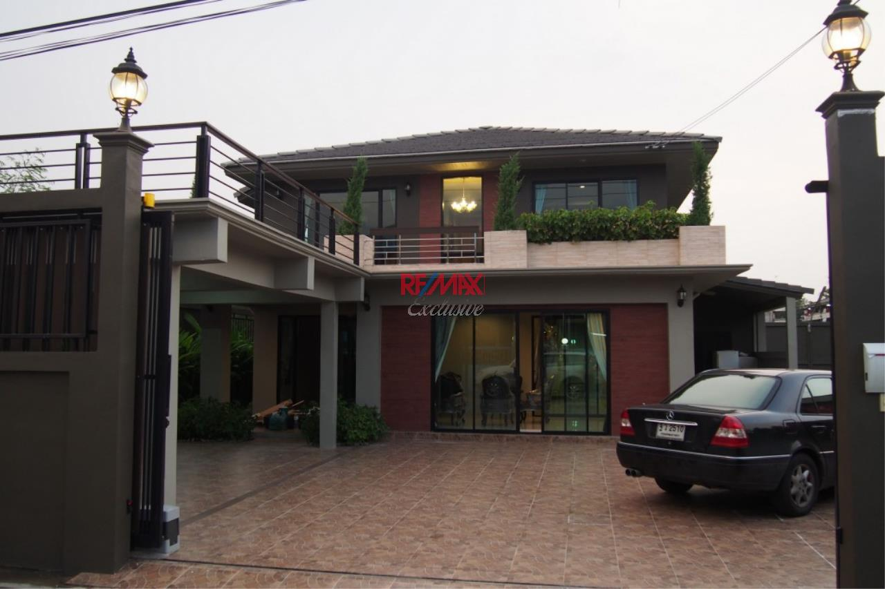 RE/MAX Exclusive Agency's Home Offce for Sale : Suan Siam  3