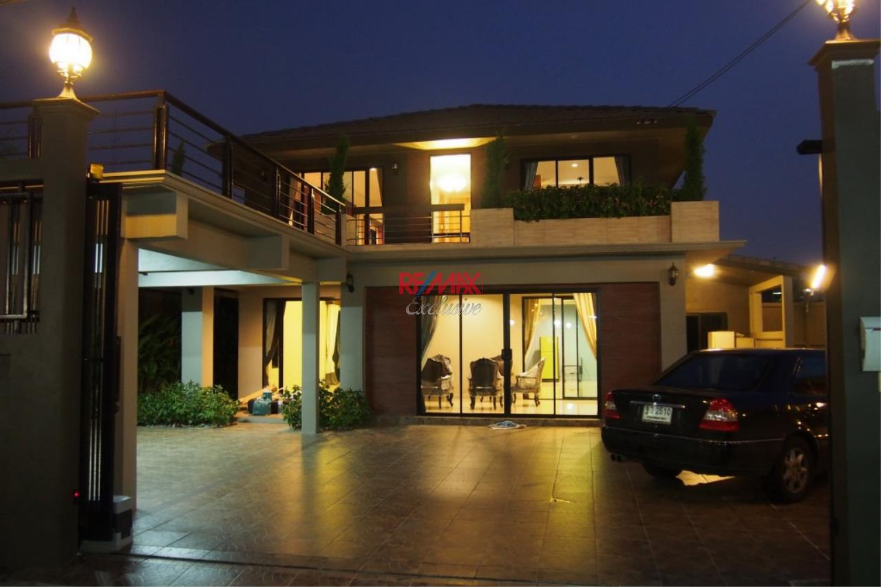 RE/MAX Exclusive Agency's Home Offce for Sale : Suan Siam  20