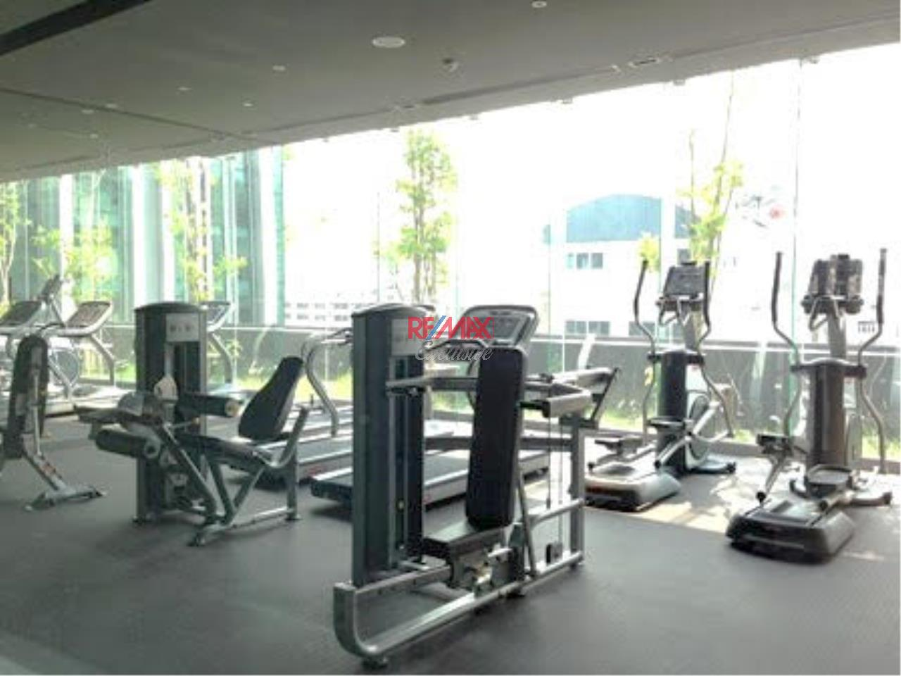 RE/MAX Exclusive Agency's Condominium in town For Rent 40,000 THB  8