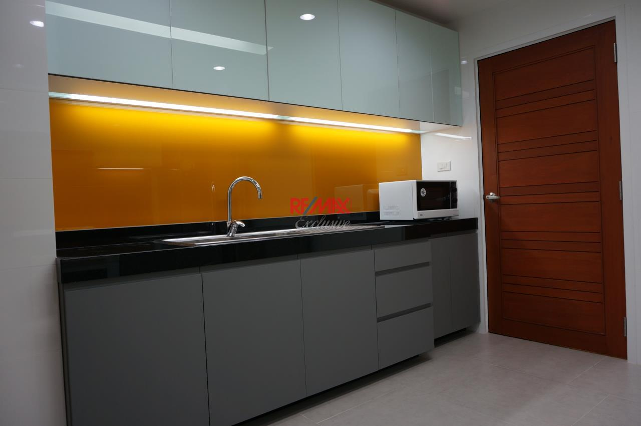 RE/MAX Exclusive Agency's Habitat Sukhumvit 53,  3 bedrooms High Floor 278 Sqm For Rent 5