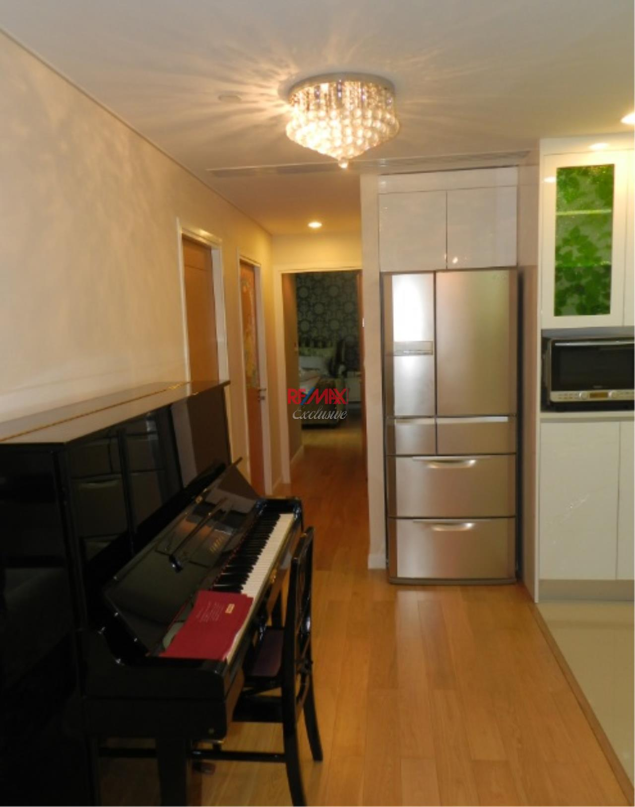 RE/MAX Exclusive Agency's The Wind Sukhumvit 23 3 Bedrooms With Magnificent View of Downtown Bangkok, For Rent and Sale!! 2