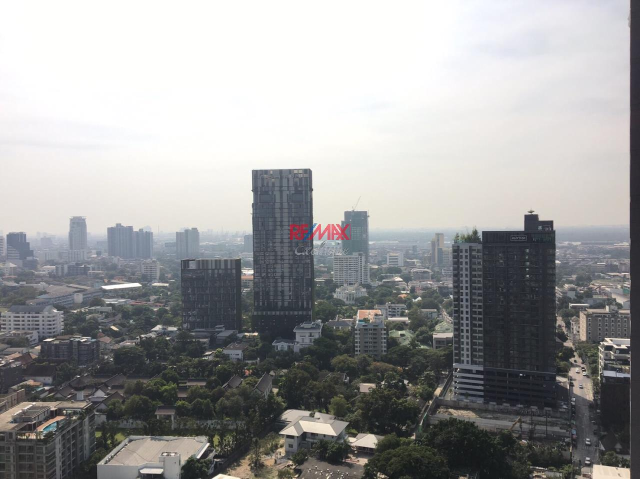 RE/MAX Exclusive Agency's Noble Remix  1 Bedroom 62 Sqm., Sale With Tenant For Sale 10,900,000 THB 10