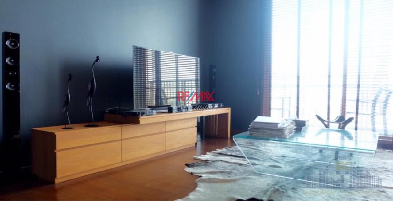 RE/MAX Exclusive Agency's Quattro By Sansiri Huge And Modern 1 Bedroom For Rent/ Sale  1