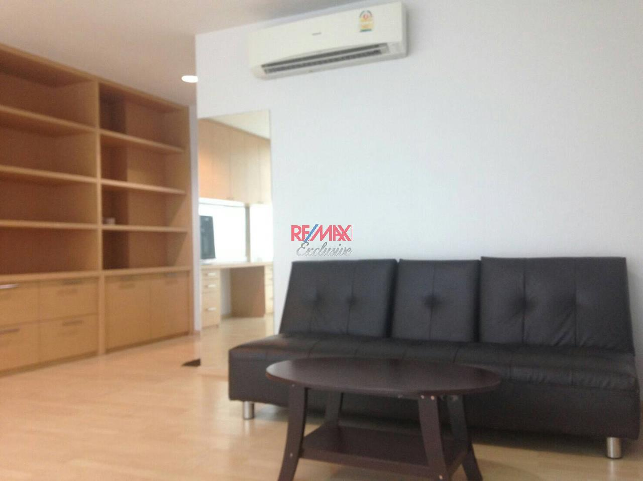 RE/MAX Exclusive Agency's Noble Cube Pattanakarn, Townhome 3 Storey For Rent And Sale!! 1