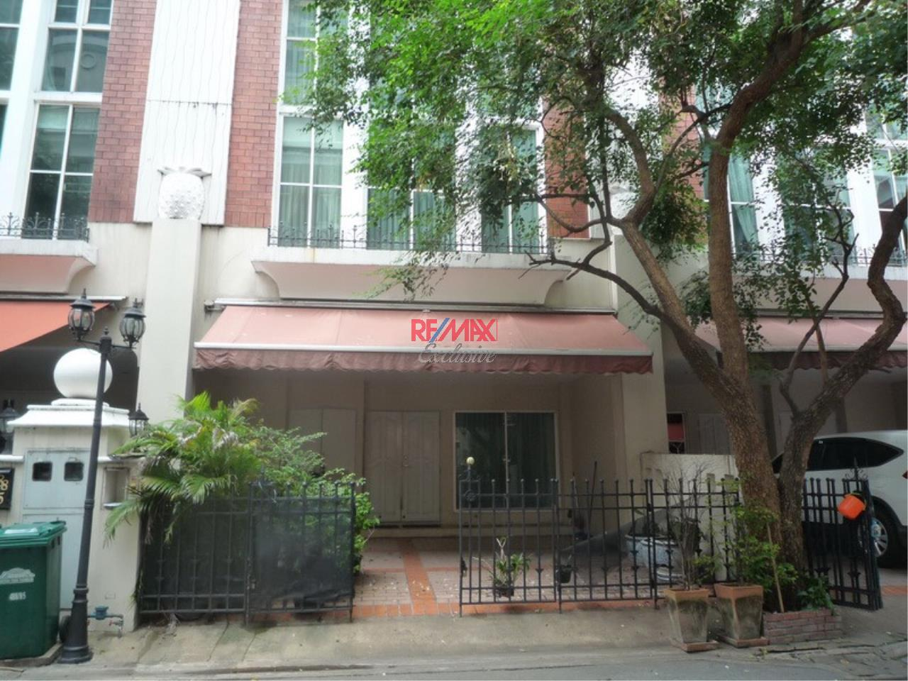 RE/MAX Exclusive Agency's Baan Klang Krung Thonglor 4 Bedrooms, 350 SQM., For Rent! 13