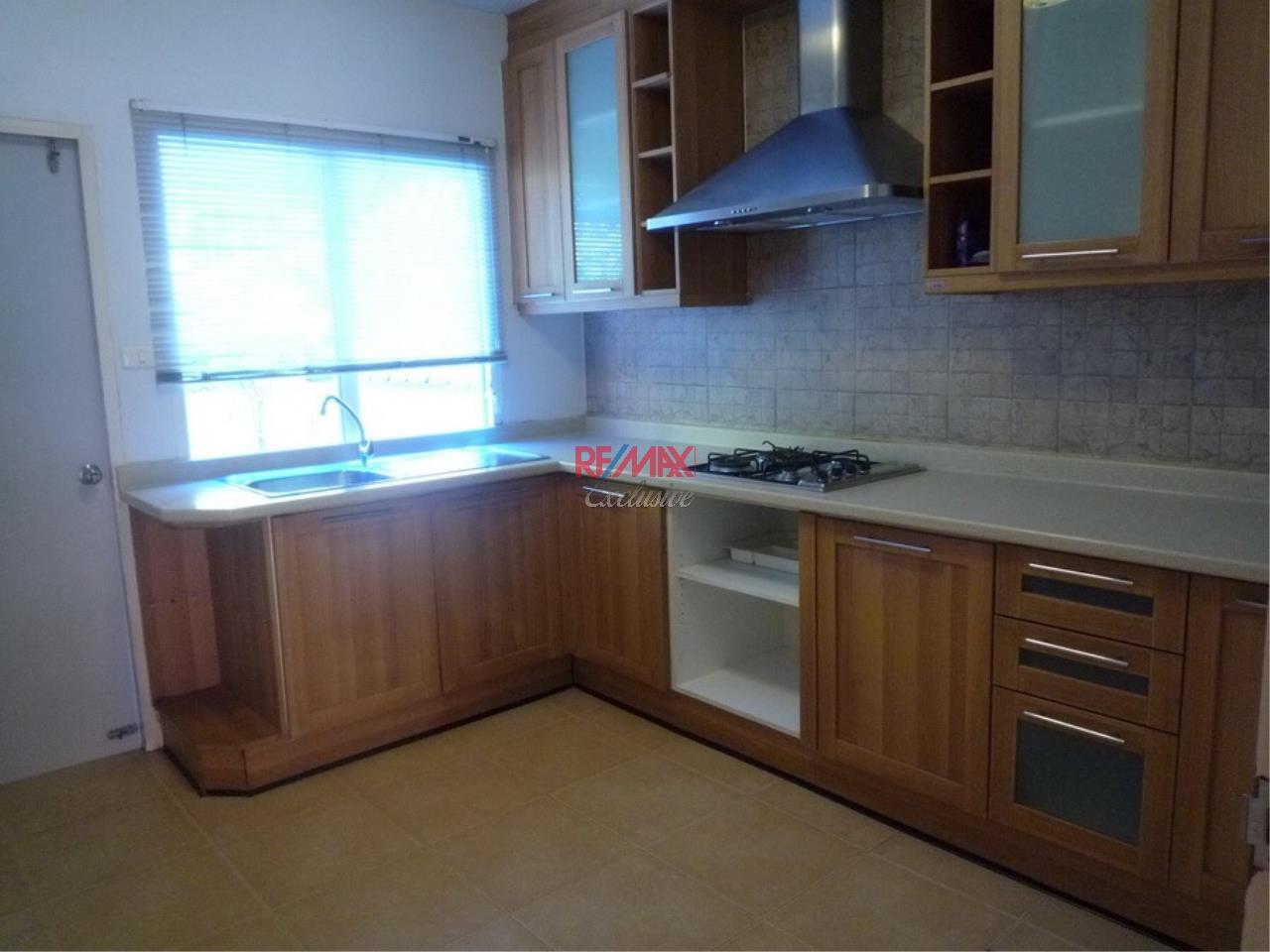 RE/MAX Exclusive Agency's Baan Klang Krung Thonglor 4 Bedrooms, 350 SQM., For Rent! 4