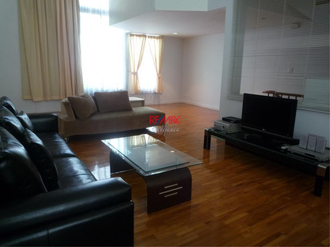 RE/MAX Exclusive Agency's Baan Klang Krung Thonglor 4 Bedrooms, 350 SQM., For Rent! 1