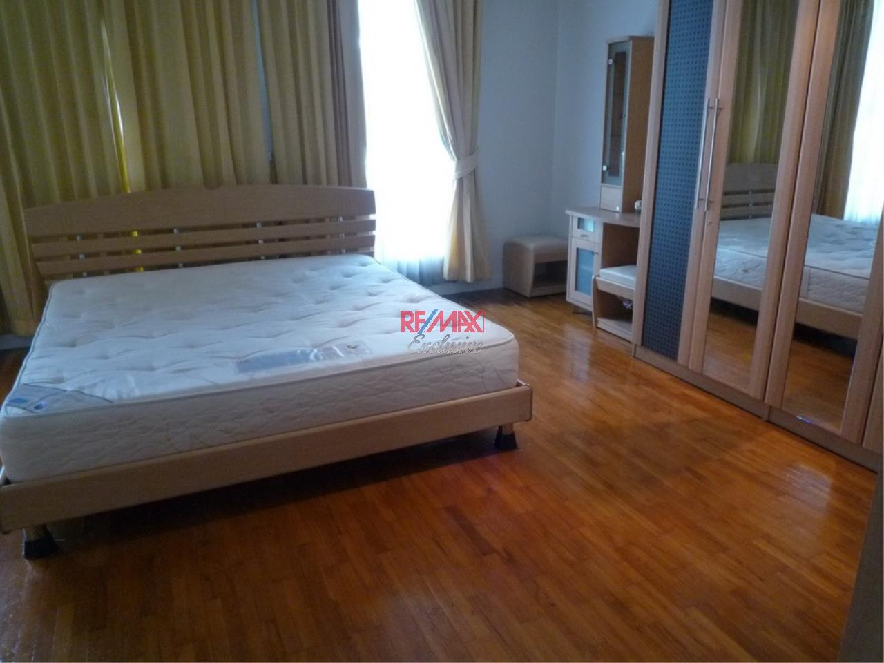 RE/MAX Exclusive Agency's Baan Klang Krung Thonglor 4 Bedrooms, 350 SQM., For Rent! 7