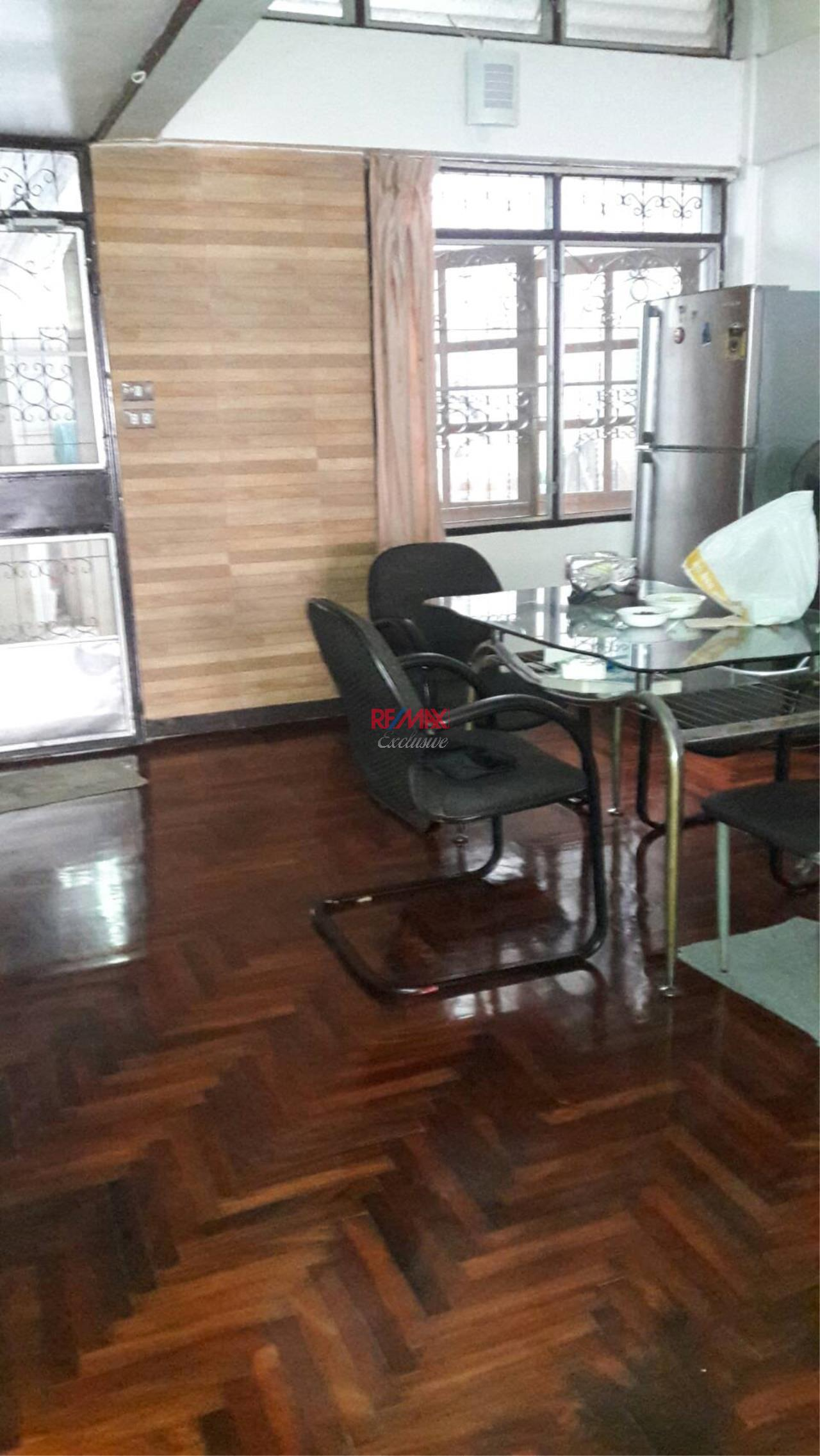 RE/MAX Exclusive Agency's Townhouse for Office or Business Purpose for Rent!! 1