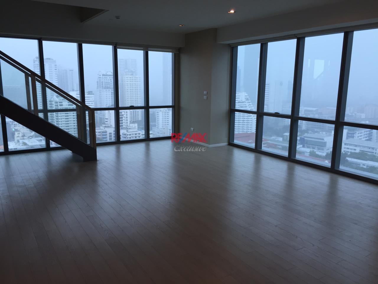 RE/MAX Exclusive Agency's The Room 21 Partly Furnished Duplex 2 Bedrooms 120 SQM For Rent And Sale!! 1