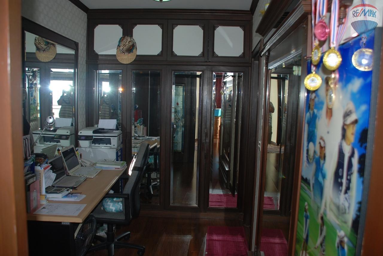 RE/MAX Beach Town Agency's VIP Condo Cha-Am 12