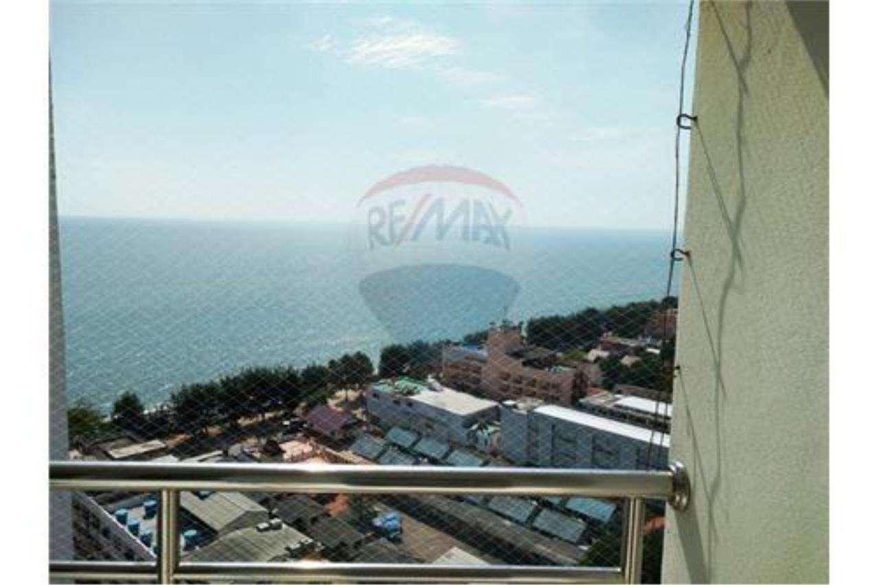 RE/MAX Beach Town Agency's 90 m2 Condo in High Rise Condo/Hotel on Cha Am Beach 4