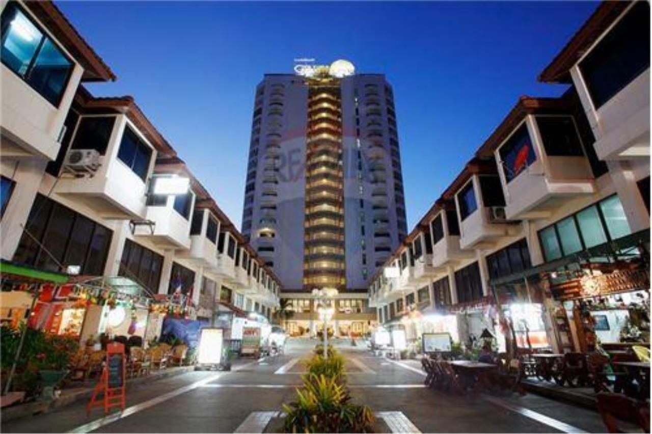 RE/MAX Beach Town Agency's 90 m2 Condo in High Rise Condo/Hotel on Cha Am Beach 1