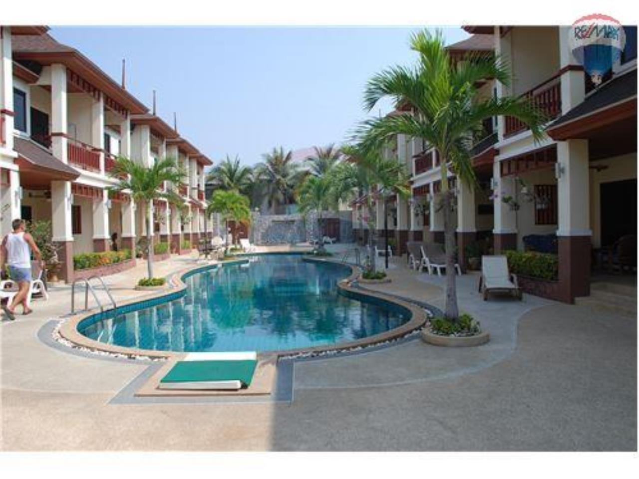 RE/MAX Beach Town Agency's Townhouse in Thai Paradise South, Cha-Am 1